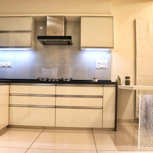 Tropenstil Küche in Ahmedabad