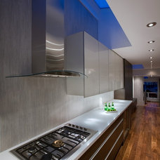 Contemporary Kitchen by Klondike Contracting