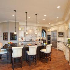 Mediterranean Kitchen by Bill Frame Custom Homes Ltd