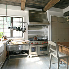 Farmhouse Kitchen by Pursley Dixon Architecture