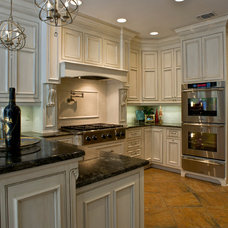 Traditional Kitchen by Kiva Kitchen & Bath Houston - Trevor Childs