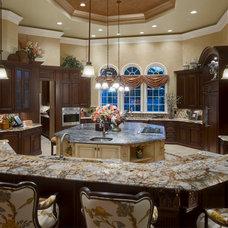 Mediterranean Kitchen by John Cannon Homes