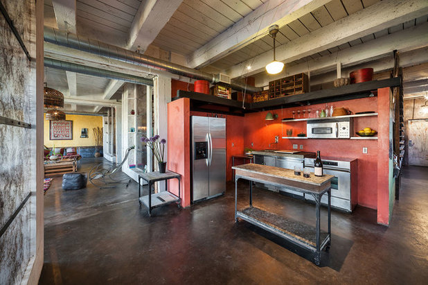 Industrial Kitchen by KuDa Photography
