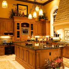 Traditional Kitchen by Park Avenue Designs, Inc.
