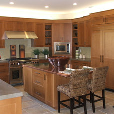 Traditional Kitchen by Bannister Woodworking Inc.