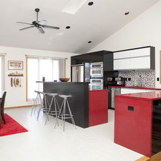Contemporary Kitchen by Kitchen Fab
