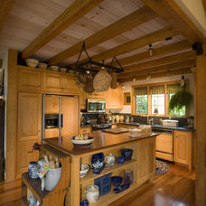 Traditional Kitchen by South County Post & Beam, Inc.