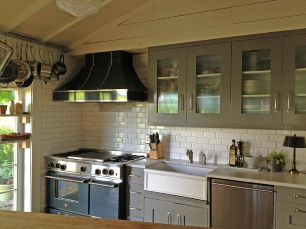Traditional Kitchen by Prizer Hoods