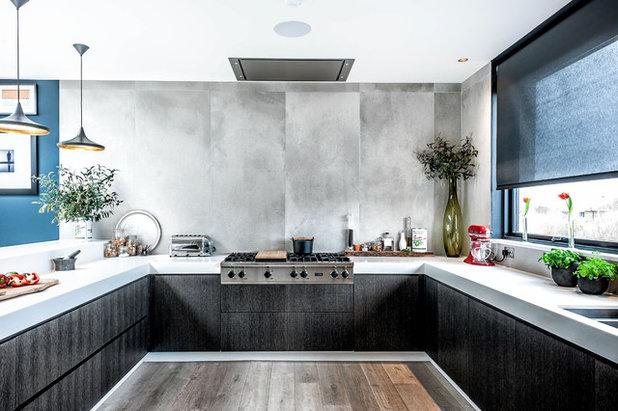 Contemporary Kitchen by Dan Goodwin Handcrafted Kitchens & Interiors