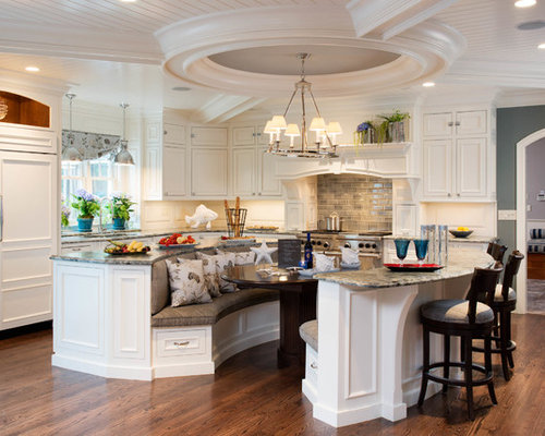 Traditional L-Shaped Eat-In Kitchen Design Ideas & Remodel Pictures   Houzz
