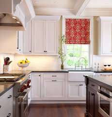 traditional kitchen by MOSAIC Group [Architects and Remodelers]