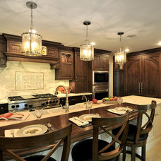 Traditional Kitchen by Amazing Spaces