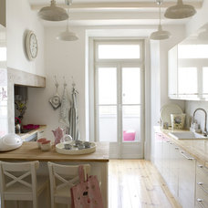Transitional Kitchen by Ana Antunes Homestyling