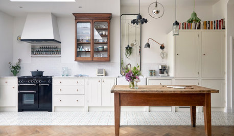 7 Ways to Work Wooden Furniture into a Modern Scheme