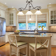 Traditional Kitchen by Vani Sayeed Studios