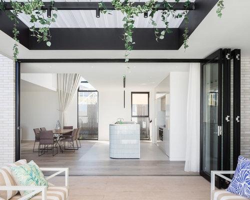 Beach Kitchen Design. Photo Of A Beach Style Kitchen In Sydney. Design