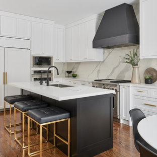 This is an example of a classic kitchen in Toronto.