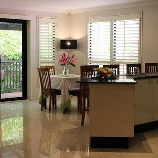 Cucina con pavimento in gres porcellanato Central Coast - Foto e ...