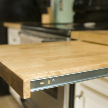 Pull out cutting board