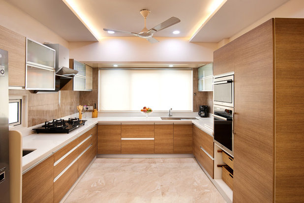 Modern Kitchen by NIMIT ASSOCIATES