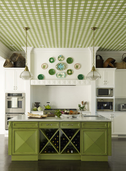 Traditional Kitchen by Mendelson Group