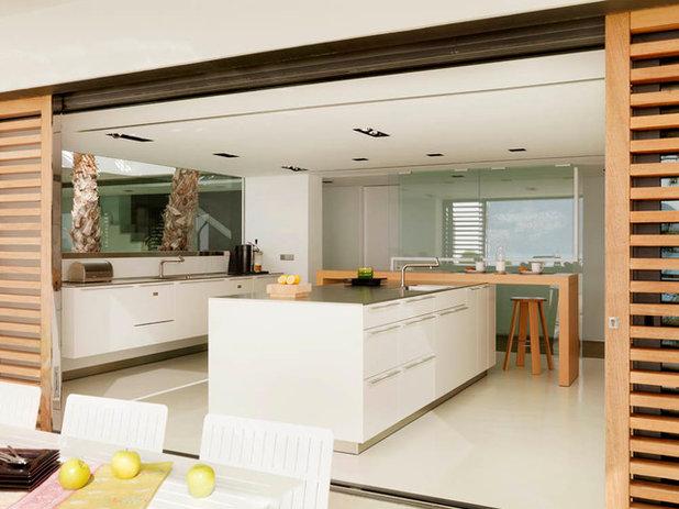 Cocinas abiertas al exterior s cale el m ximo partido al for Cocinas abiertas al living