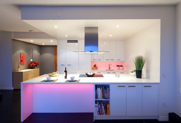 moderno cucina by mother hubbards kitchens