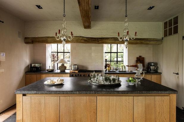 Farmhouse Kitchen by am designs