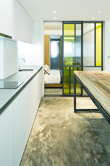 Industrial Kitchen by Urban Design & Build Limited