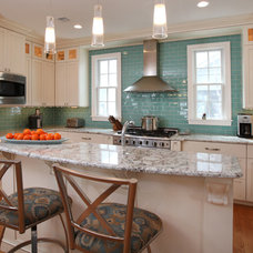 Beach Style Kitchen by QMA Design+Build, LLC