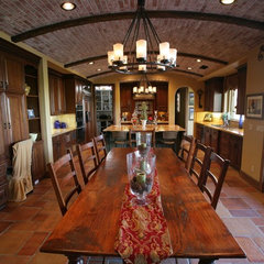 traditional kitchen by Matt Ratz