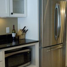 Eclectic Kitchen by JP&CO. Samantha Grose, Designer