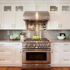 Traditional Kitchen by Richardson Homes Ltd