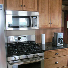 Traditional Kitchen Cabinets by Vienna Woodworks