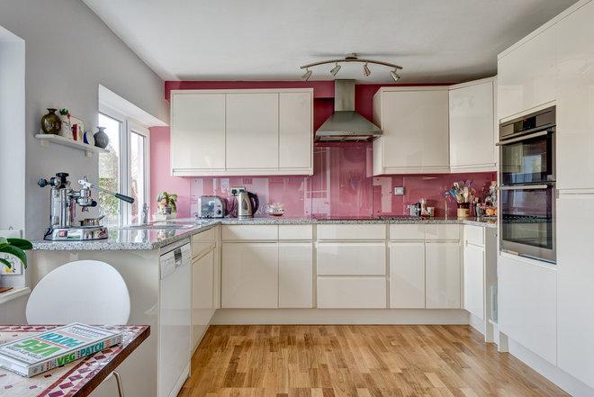 Современный Кухня by Colin Cadle Photography