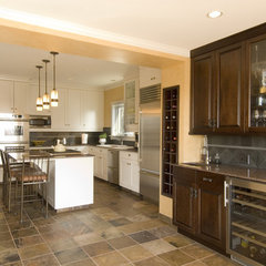 traditional kitchen by Thomas Fine, CGR, GMB & CGP