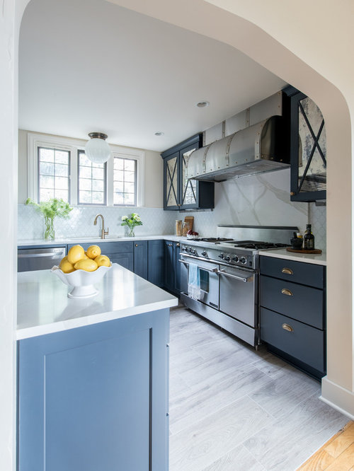3 937 Mid Sized Transitional Galley Kitchen Design Ideas Remodel Pictures Houzz