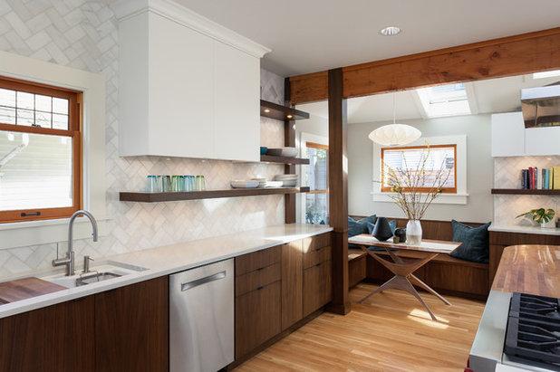 Simple Midcentury Kitchen by Alinda Morris Interior Design LLC