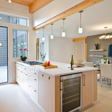 Contemporary Kitchen by Lee Edwards - residential design