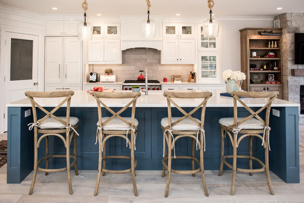 Beach Style Kitchen by CRD Design Build