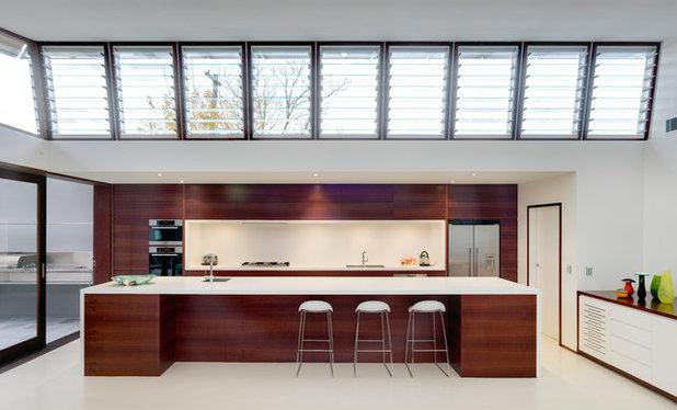 Contemporary Kitchen by CplusC Architectural Workshop