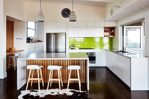 "Contemporary Kitchen by Vanda Constructions ""Custom Homes & Renovations"""
