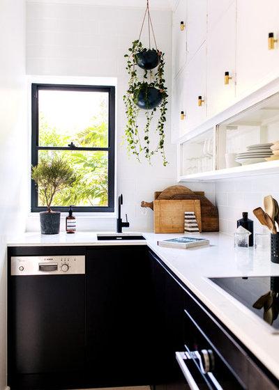 コンテンポラリー キッチン by Jillian Dinkel Designs