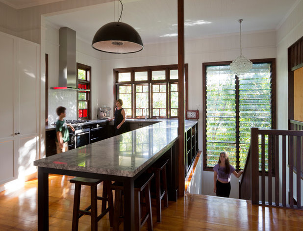 How to give a traditional queenslander a modern makeover for Kitchen ideas for queenslanders