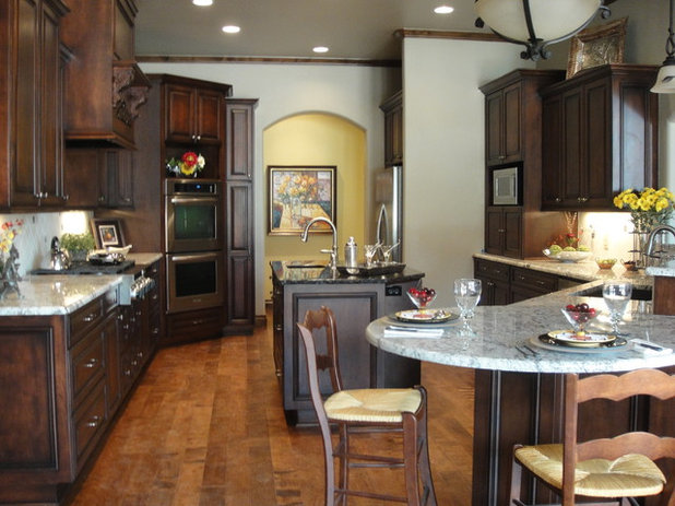 Traditional Kitchen by Rhonda Kieson Designs