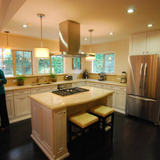 Traditional Kitchen by Precise Home Builders