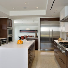 Modern Kitchen by GOODCHILD BUILDERS INC