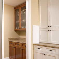 Traditional Kitchen by Ramos Design Build Corporation - Tampa