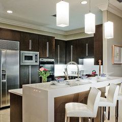 contemporary kitchen by Ramos Design Build Corporation - Tampa