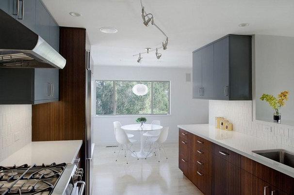 Modern Kitchen by Koch Architects, Inc.  Joanne Koch